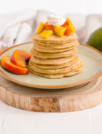 clatite cu mango si nectarine