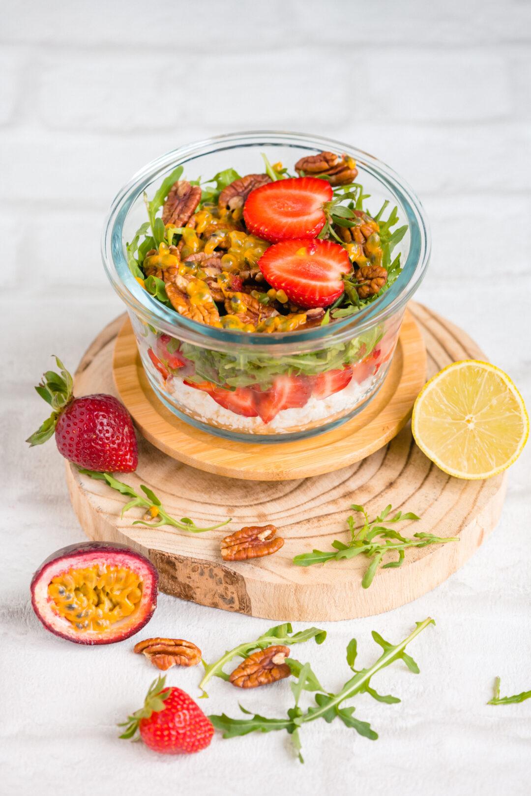 salata de capsuni