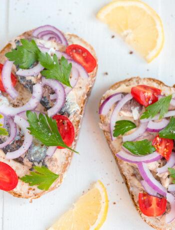 toast cu sardine